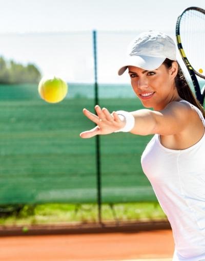 model_tennis_women_brunette-167212.jpg